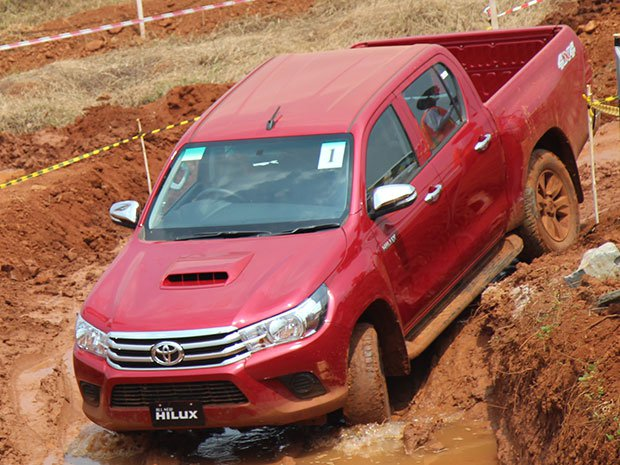 all-new-toyota-hilux-2016-3_3